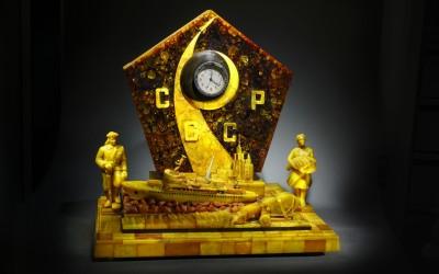 "Benislavskii R.A., Kwashnin A.I., USSR Clock ""The Epoch"", early 1960s."