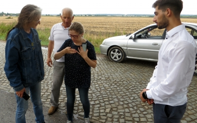 The commission examines the beetle closer
