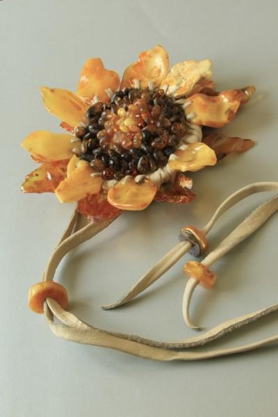 Браслет-кольцо «Подсолнух». 2006 Автор Елена Градинарова, Калининград